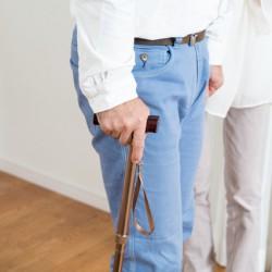 新しい「介護離職防止支援助成金」は、受給のハードルが上がっているのでご注意を。