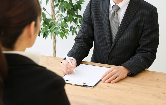 これは意外?採用担当者が応募者に「聞いてはいけないこと」と「必ず聞くべきこと」とは。 - 社会保険労務士法人アールワン | 東京都千代田区