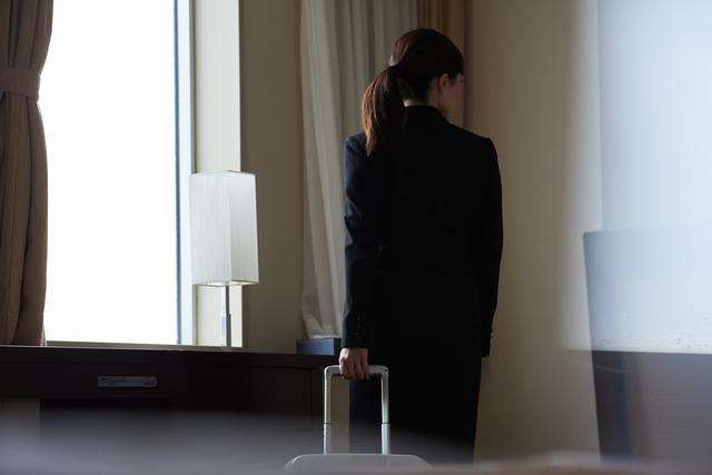 自宅での待機時間や出張時の移動時間は、労働時間に該当するのでしょうか? - 社会保険労務士法人アールワン | 東京都千代田区