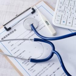 会社には大きなリスク!健康診断の再検査を受けない従業員への対応方法とは。