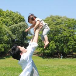 男性社員の育児休業を促進することのメリットとは?