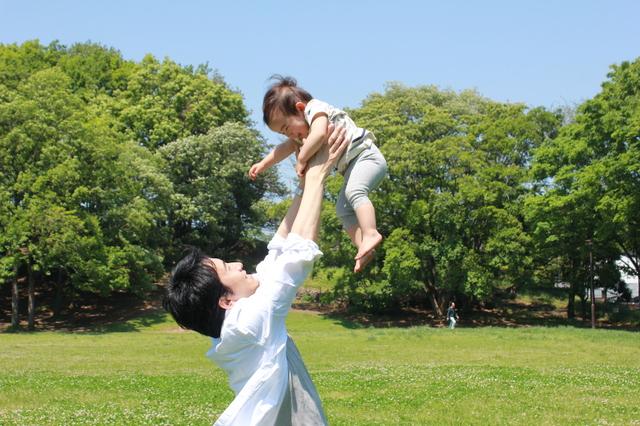 男性社員の育児休業を促進することのメリットとは? - 社会保険労務士法人アールワン | 東京都千代田区